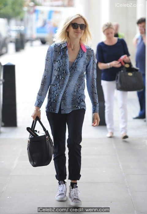 Fearne Cotton Arrives at BBC Radio 1 http://icelebz.com/events/fearne_cotton_arrives_at_bbc_radio_1/photo1.html
