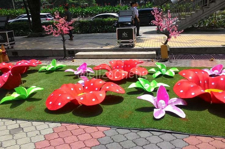 BIG Colorful Flowers at MCA building