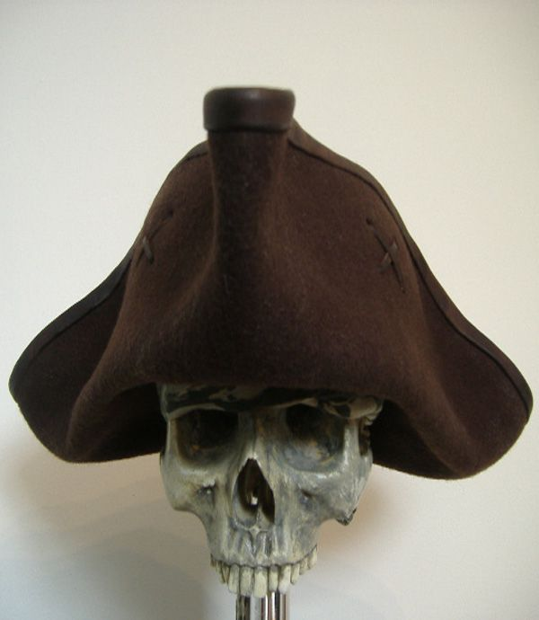 how to make a tricorn hat
