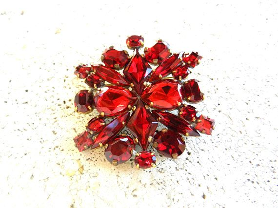 Super sparkling CZECH Vtg Vibrant Red Glass Brooch  Unfoiled