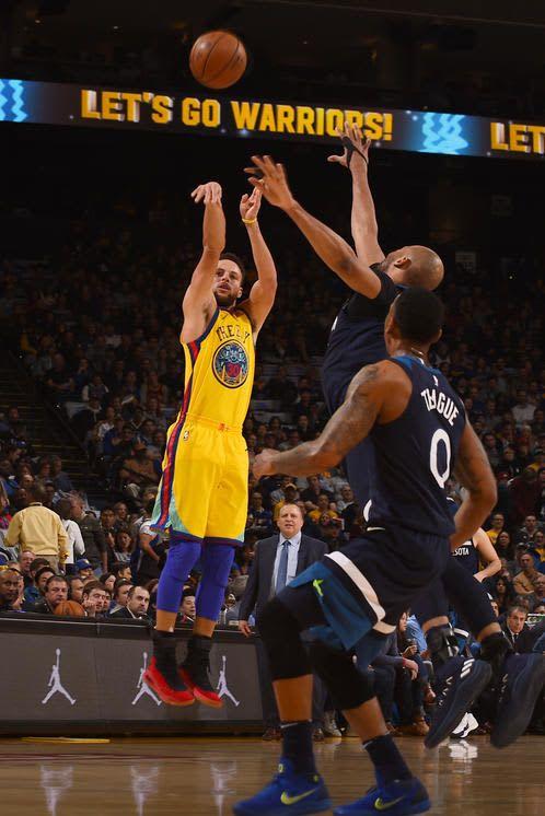 #warriors: Minnesota Timberwolves v Golden State Warriors