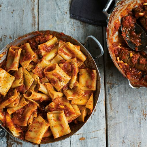 How to cook pasta like a true Italian | Paccheri with Neopolitan Ragu | Recipe from Antonio Carluccio