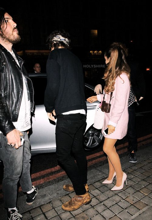 is harry dating ariana grande Harry styles vs justin bieber: #1 ariana grande otp subscribe to hollywire | send chelsea a tweet |.