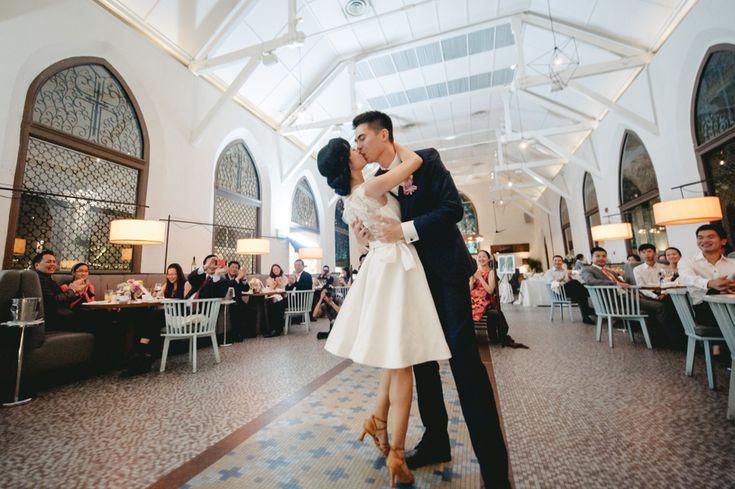 Wedding reception at The White Rabbit, Singapore // Yao Hui and Chengcheng's Elegant Hydrangea-Inspired Wedding