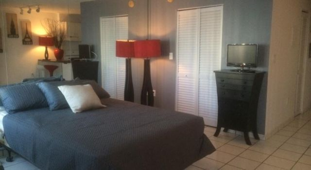 Eclipse Apartment - #Apartments - EUR 64 - #Hotels #VereinigteStaatenVonAmerika #MiamiBeach #SouthBeach http://www.justigo.lu/hotels/united-states-of-america/miami-beach/south-beach/sevenhundred-ten-washingtonave_94722.html