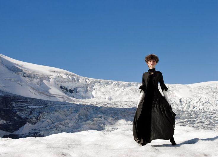New Frontier, Agnieszka Wichniewicz by Gabor Jurina, Fashion CA Nov 05