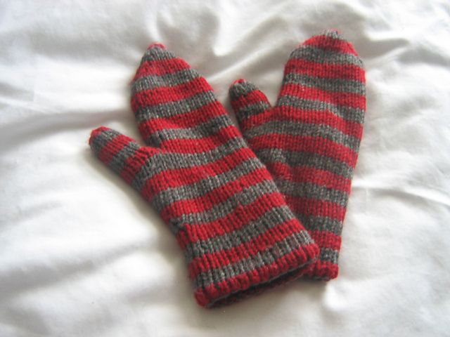 Free! - Ravelry: Double Knit Mittens pattern by Allison Crilly Knitted - Mi...