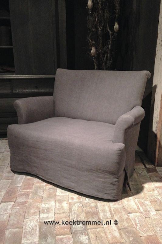 De 'Livia' van Hoffz Interieur is een kruising tussen een bank(je) en een stoel.
