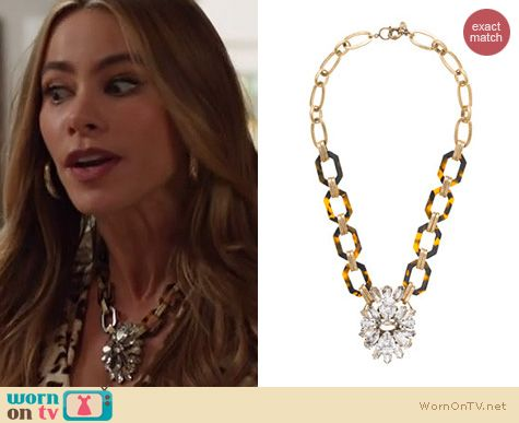 Gloria's leopard print top and crystal flower necklace on Modern Family. Outfit Details: http://wornontv.net/19853 #ModernFamily #ABC