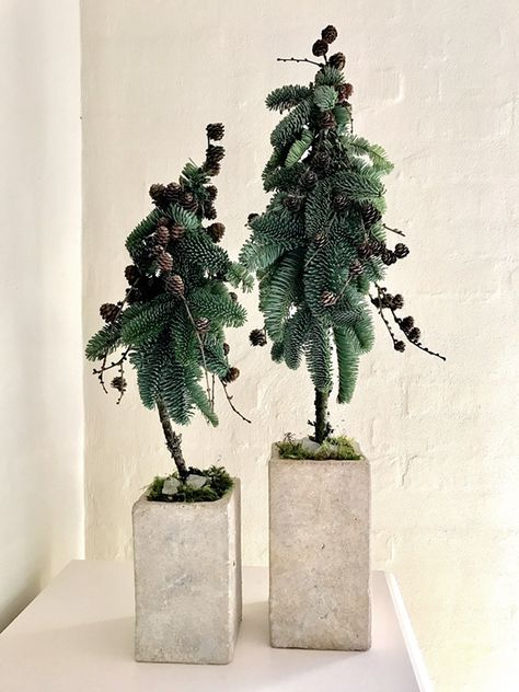 Sådan blev dette års hjemmelavet juletræer. Efter at have været træt af gran i mange år, er det som om det er det eneste rigtige i år - og sådan her blev de to, jeg lavede til mig selv. Jeg har ogs...