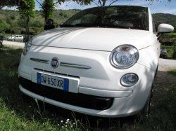 The Fiat 500 is a new retro-styled car based on the style of old classic 1960s car of the same name.    This article is about the new Fiat 500 a...