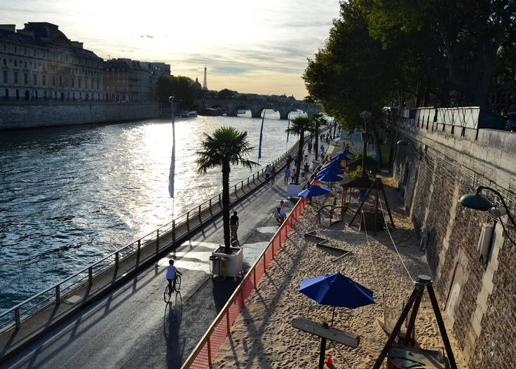 """Paris Plage - Juliana Mendes (@july_france83) su Instagram: """"#phography  #parisplages #été #promenade #tour #sun #paris @hello_france  #borddeseine #river…"""""""