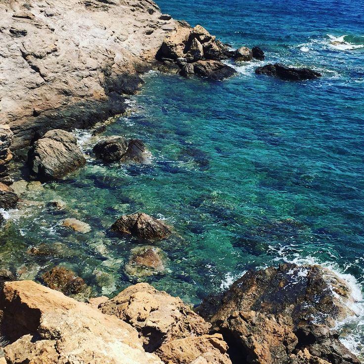Yo siempre he dicho que el verano es un estado mental , y no hay nada que me haga más feliz que estar un verano en mi amada Grecia ... ...