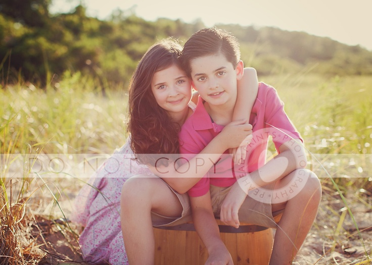Peahead Prints-I love the brother and sister poses.