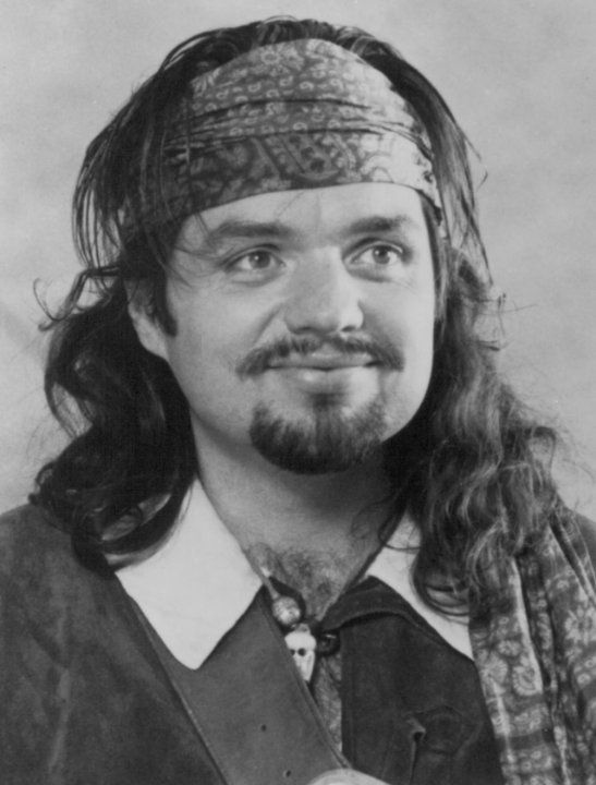 Still of Oliver Platt in The Three Musketeers (1993).... I just think he's adorable...