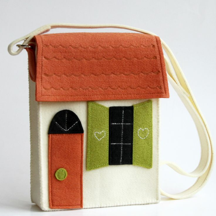 Home is where you are - portable house for a little girl. Very original and unique bag.