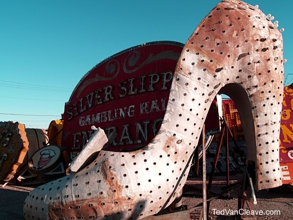 7. Las Vegas Neon Sign 115a - Silver Slipper - Ted VanCleave