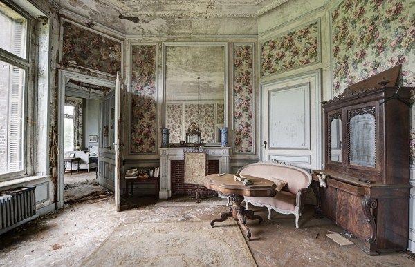 Inside Old Abandoned Mansions Creepy Doctor S Abandoned Mansion
