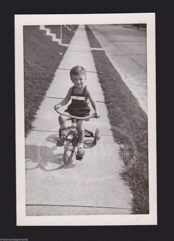 милый маленький мальчик в ВМФ матросский джемпер езда трицикл винтажный снимок фотография | eBay