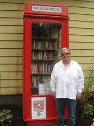 """Town of Clinton, NY, Opens """"America's Littlest Library""""—in a British Phone Booth"""