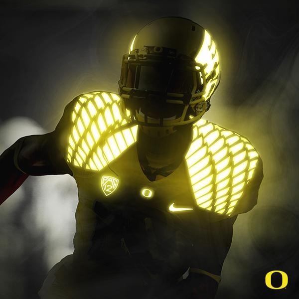 Oregon Ducks uniforms Glow 2
