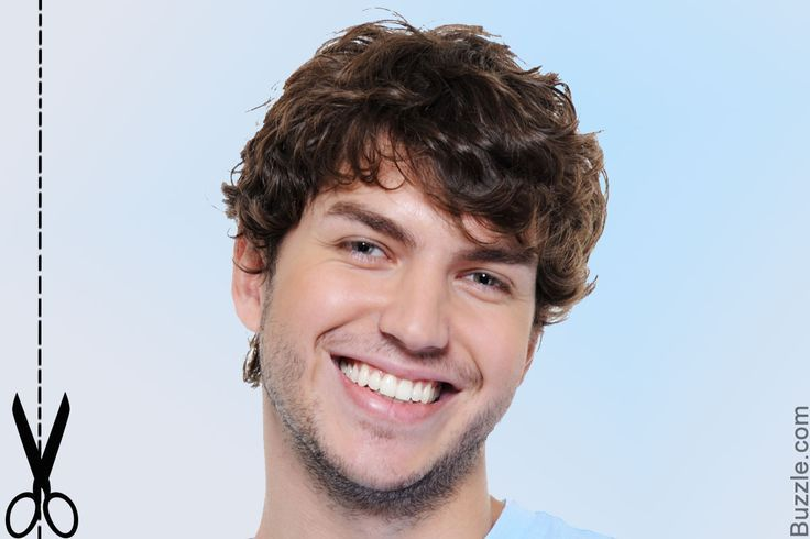 Round face man haircut for curly hair