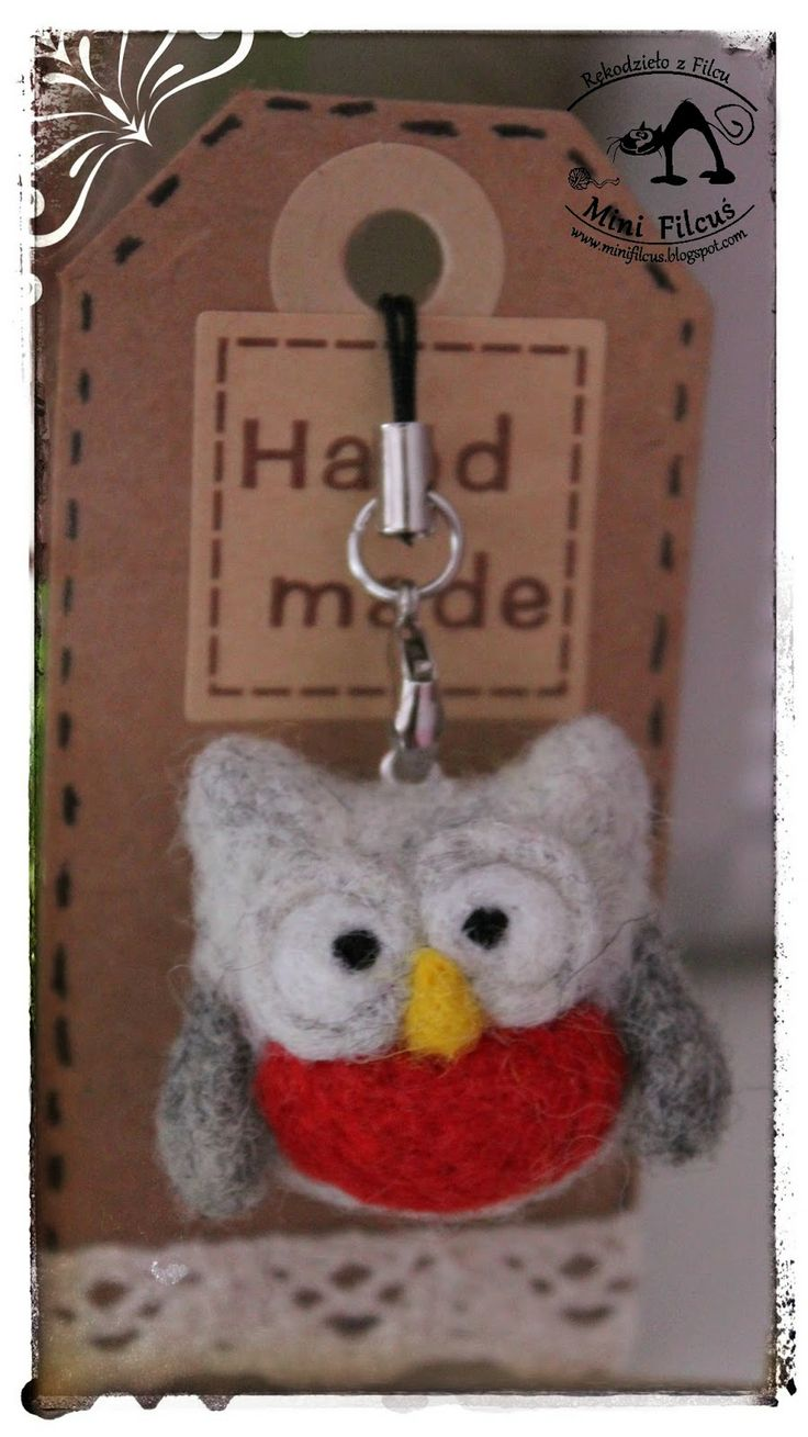 Owl - felted phone pendant  http://minifilcus.blogspot.com/2014/02/sowia-wymiana.html