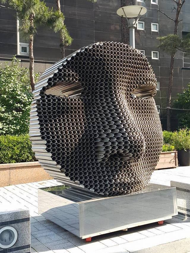 Artist Yi Chul Hee creates amazing, innovative sculptures composed of stacked layers of pipes. Unexpected shapes and forms emerge from his carefu