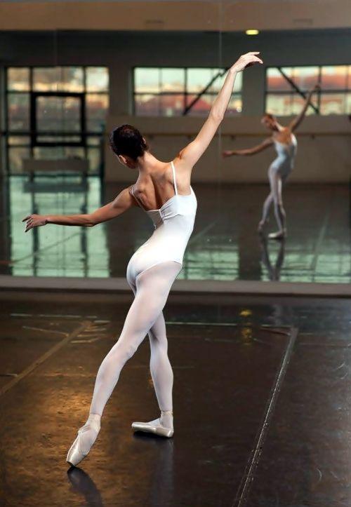 ballet classes ♥ Wonderful! www.thewonderfulworldofdance.com #dance