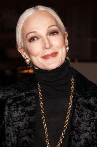 Carmen Dell'Orefice | Ageing gracefully in textured blacks & statement…