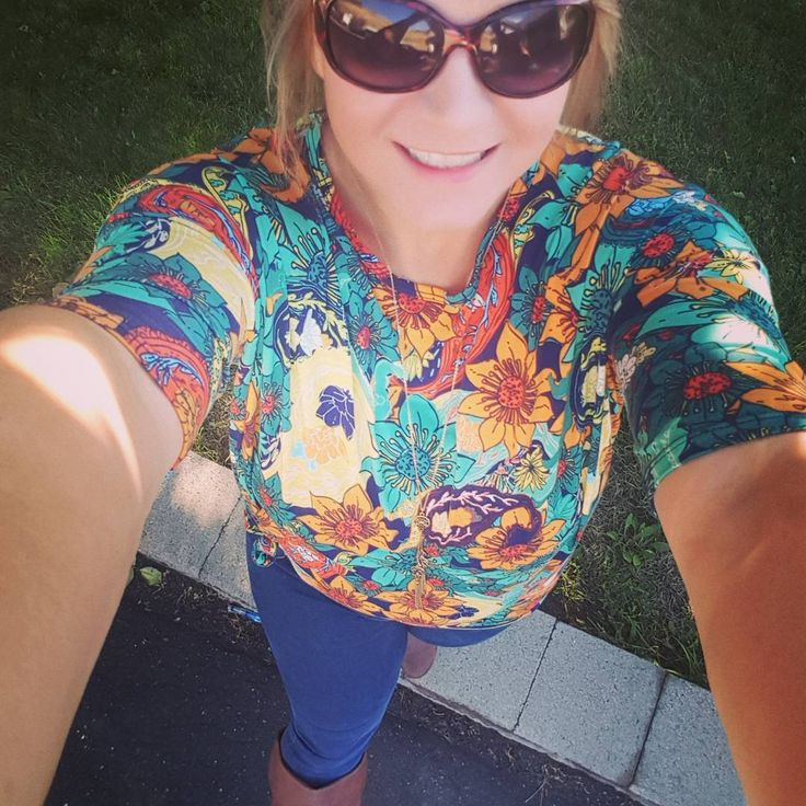 """5 Likes, 1 Comments - Jelena Hansen (@lularoe_jelenahansen_canada) on Instagram: """"Its boots jeans and Irma season. My favorite time of year that 4 weeks when all is perfect not to…"""""""