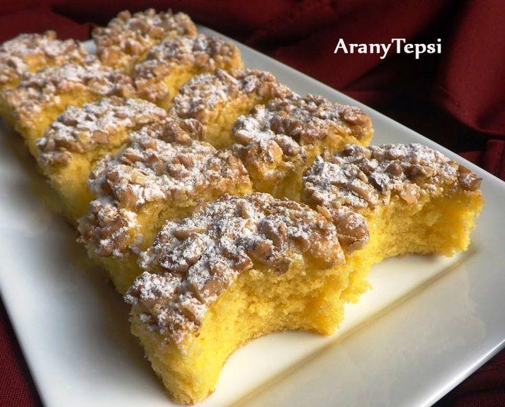 Kossuth kifli (20x32 cm: 20 dkg liszt, 0,5 tasak sütőpor, 4 tojás, 20 dkg cukor, 1 tasak vaníliás cukor, 20 dkg margarin, 12 dkg dió) #walnut #dessert