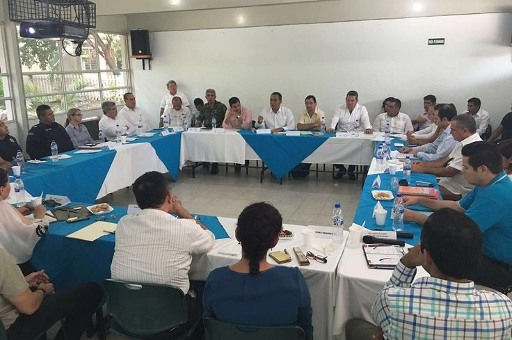 El secretario de Gobierno de Michoacán, Adrián López, informó que ya se han instalado arcos carreteros y cámaras de video vigilancia en distrito puntos del municipio, mismas que han permitido ...