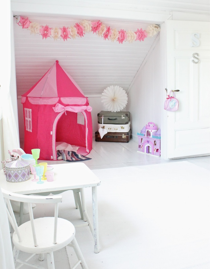 Love this idea of putting in a closet and having a little play nook