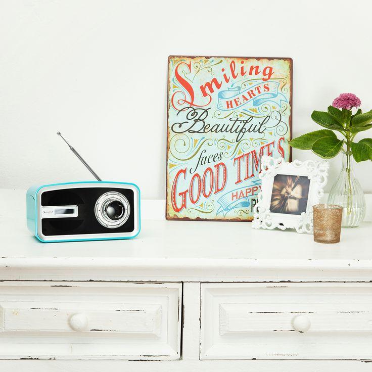 Bunter Muntermacher! Das kompakte Digitalradio mit DAB/DAB+ Empfänger bringt gute Laune in jede Wohnambiente. Let the good times roll!
