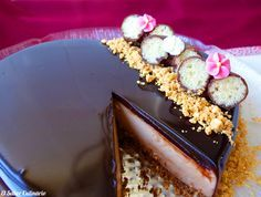 Tarta de Donetes sin horno con glaseado de chocolate brillante