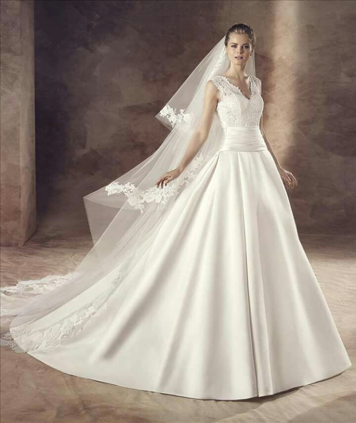 40 best Brautmode images on Pinterest   Short wedding gowns, Wedding ...