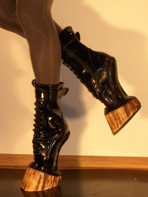 Really would Law order boot lick my video!