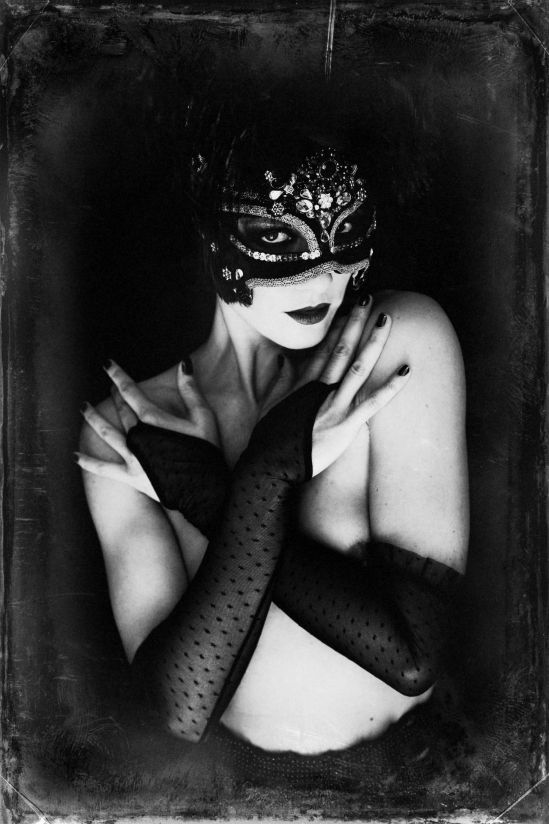 Malika Mokadem - The mask 5,  2013