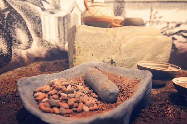 BELGIAN CHOCOLATE VILLAGE  Koekelberg compte désormais un temple de 900 m² consacré entièrement à l'un des fleurons de la gastronomie belge : le chocolat. Le Belgian Chocolate Village présente l'histoire, les secrets de... Quartier : Koekelberg Caractéristiques : Musées Ouvert : Mardi au vendredi de 09.00 à 18.00. Weekend de 10.00 à 18.00. Pendant les vacances scolaires, ouvert 7/7 ainsi que les lundis fériés