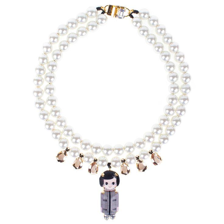 Bijoux de Famille Necklace #cocochanel #pearl #fashion #jewellery #necklace #accessories #valerydemure [discover more at www.valerydemure.com]