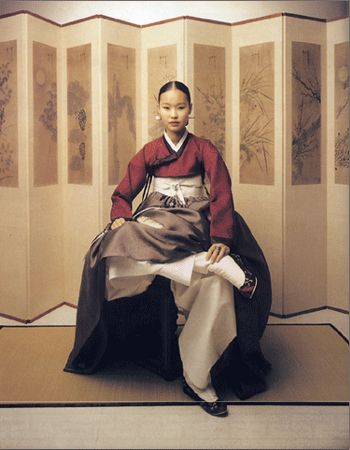 possible example of a 19th century hanbok