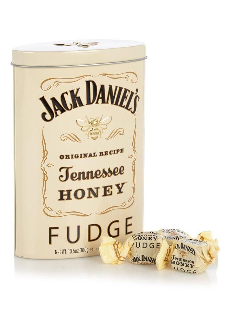 Jack Daniels Honey Fudge Blik  Description: Honing fudge Jack Daniels... Dit mooie blik bevat het allemaal! Heerlijke honing fudge met de smaak van Jack Daniels. (300gr)  Price: 9.00  Meer informatie  #Jamin