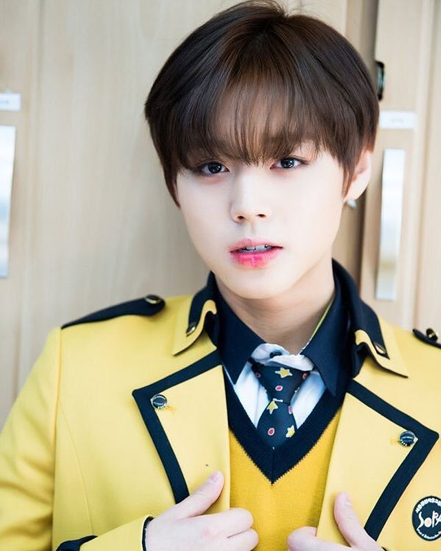 Wanna-One - Park Jihoon - Congratulations for graduating high school!