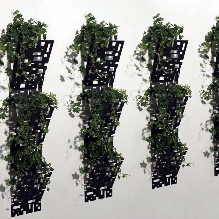 Fioriera VERTICAL by NIKLA.  #niklasteeldesign #fioriera #giardinoverticale #greenwall #wallplanter #fiori #piante #gardenmilano #garden #vasi #vivai #pattern #metaldecor #terrazzo