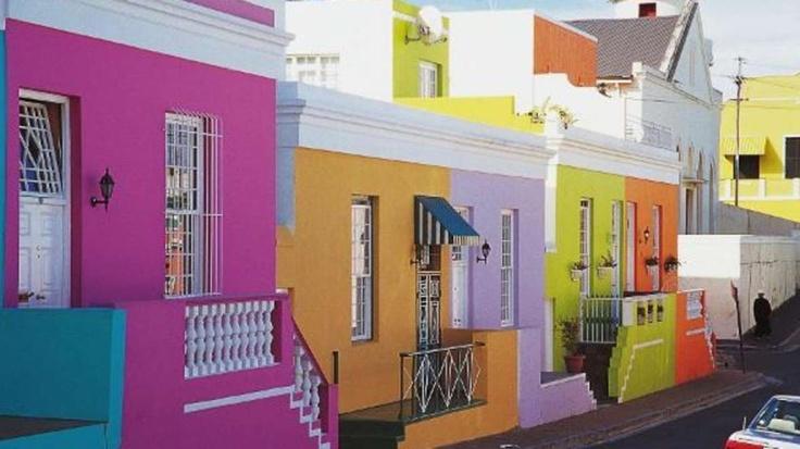Kapstadt (Südafrika): Das moslemische Viertel Bo-Kaap oder Malayenviertel ist quietschbunt