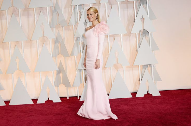 Gwyneth Paltrow wearing Ralph & Russo } Oscars 2015