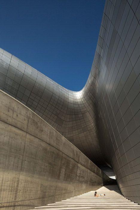 Photographer Edmon Leong - Zaha Hadid's Dongdaemun Design Plaza complex in Seoul, South Korea