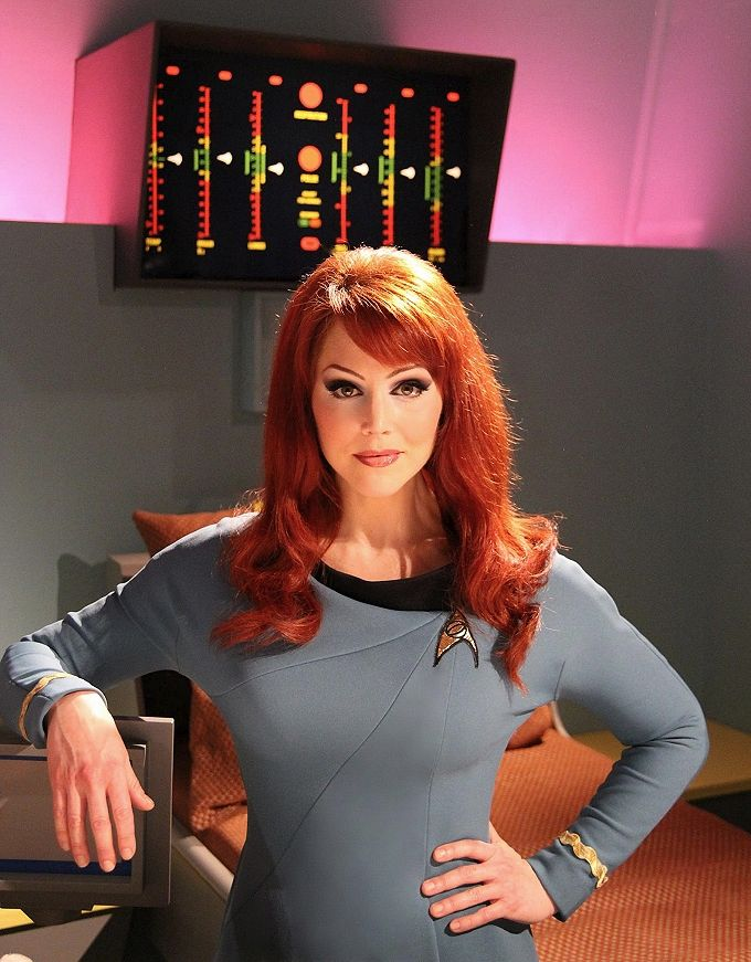 Michele Specht - possibly the best reason to watch STAR TREK CONTINUES (the fan-made spinoff)