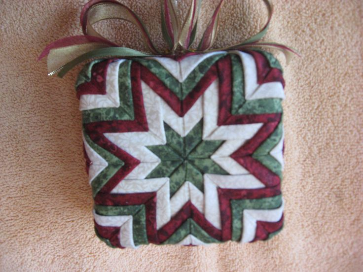 51 best images about Wreathes, Bells, Boxes, Easter Eggs and Wall Hangings on Pinterest Quilt ...
